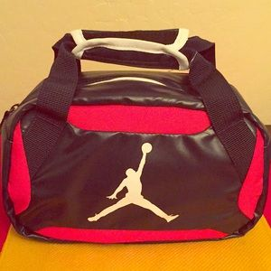 🍎ONLY 1 LEFT! Jordan Lunch Box🍌